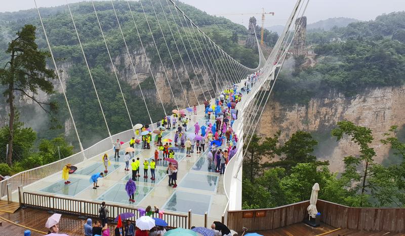 glazen brug in china